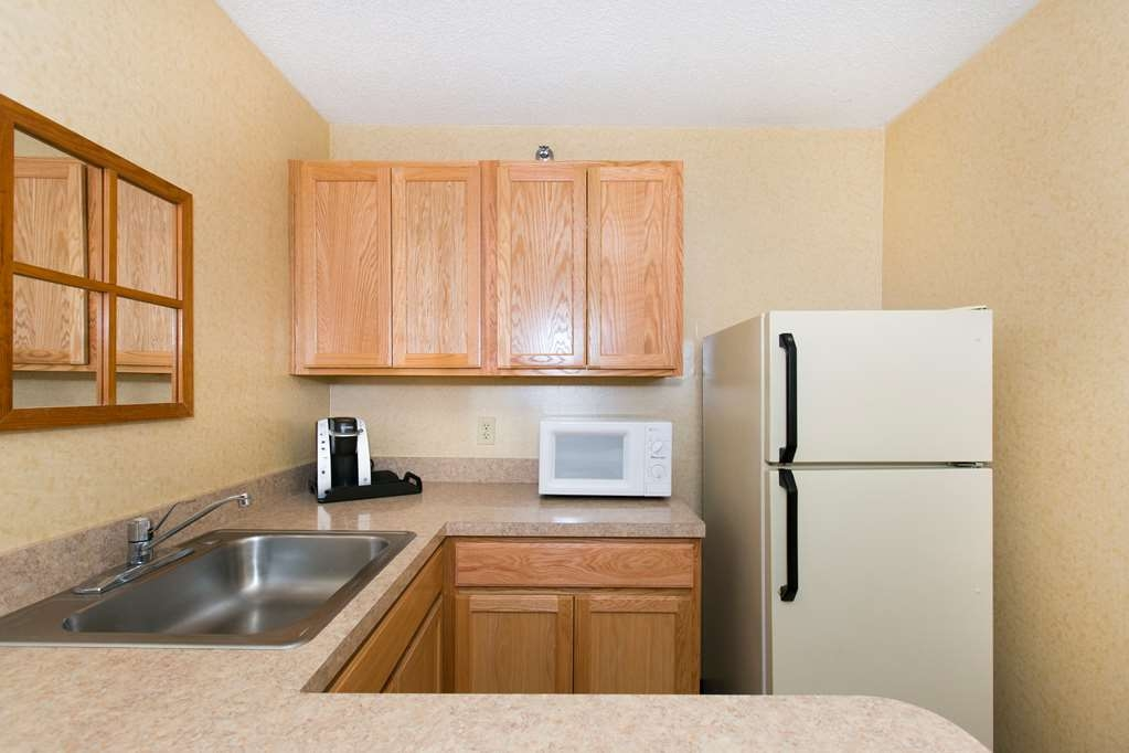 SureStay Plus Hotel by Best Western Elizabethtown Hershey - Our two room residential suite includes a kitchenette area with a full sized refrigerator, coffe pot, microwave, and much more!