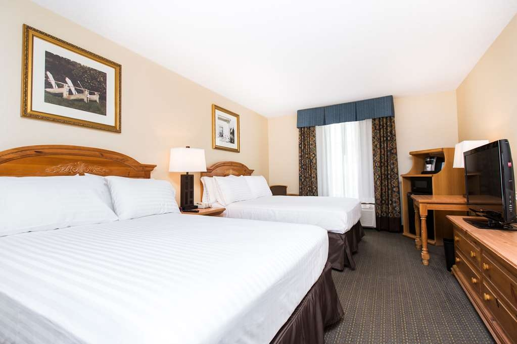 SureStay Plus Hotel by Best Western Elizabethtown Hershey - Our double queen guestrooms are perfect for families!
