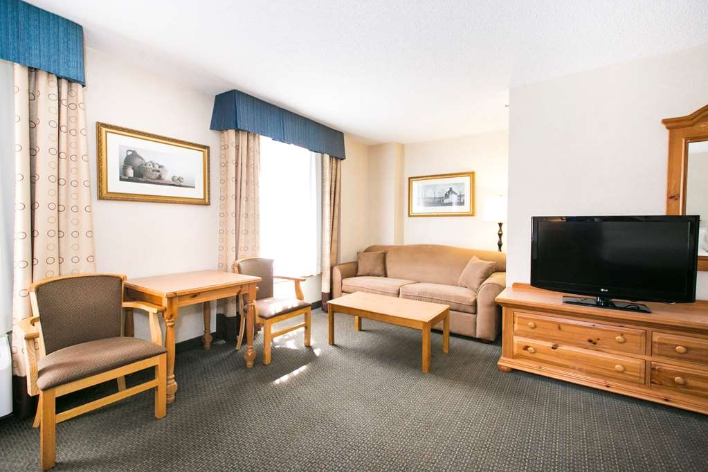SureStay Plus Hotel by Best Western Elizabethtown Hershey - Relax in this extra spacious guestroom!