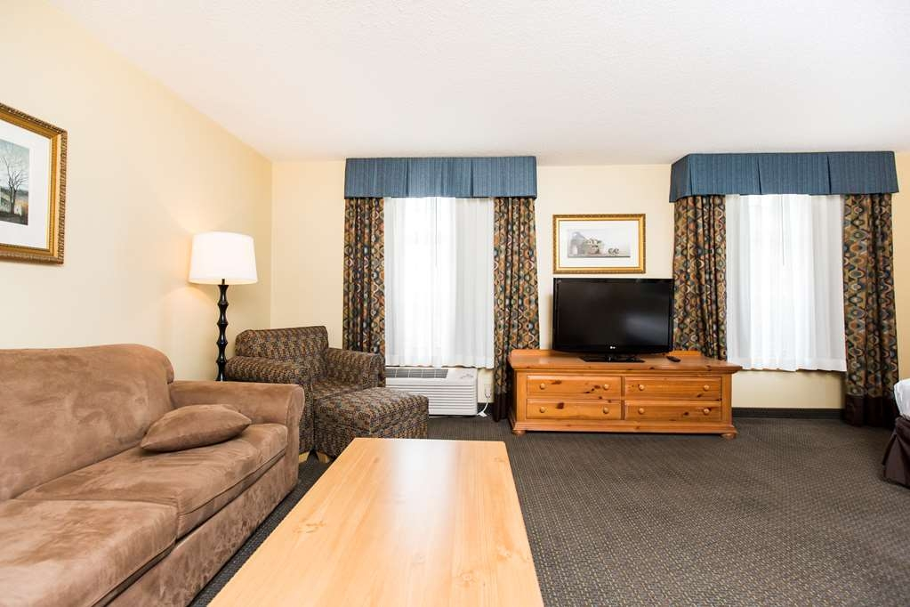SureStay Plus Hotel by Best Western Elizabethtown Hershey - Our King Executive guestroom is perfect if you need some extra space!