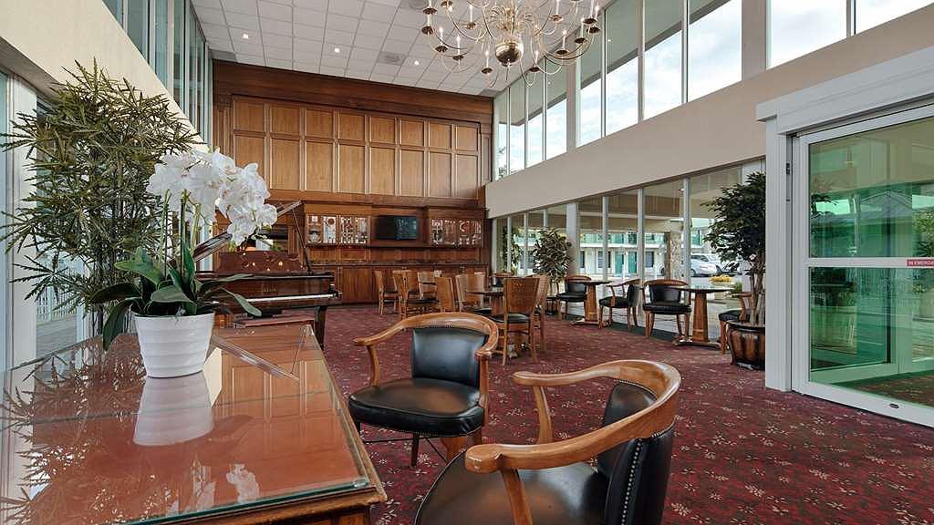 Hotel in Wilmington | SureStay Plus Hotel by Best Western