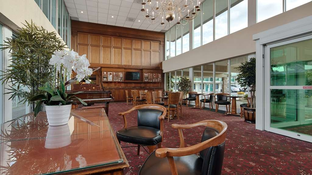 SureStay Plus Hotel by Best Western Brandywine Valley - Vue du lobby