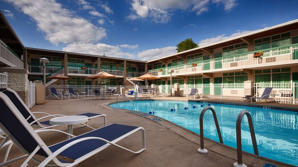 SureStay Plus Hotel by Best Western Brandywine Valley - Vue de la piscine