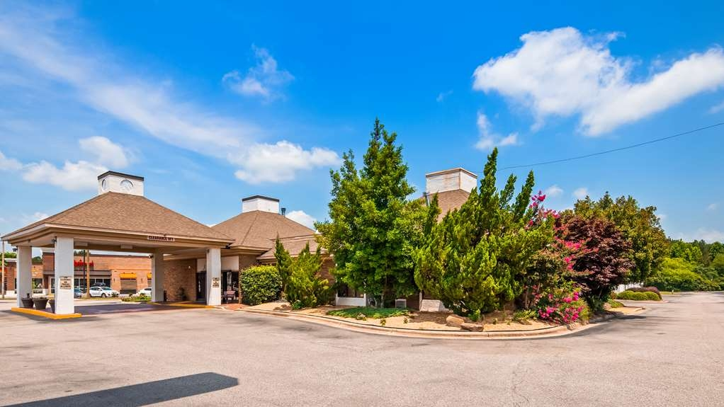 SureStay Plus Hotel by Best Western Fayetteville - Façade