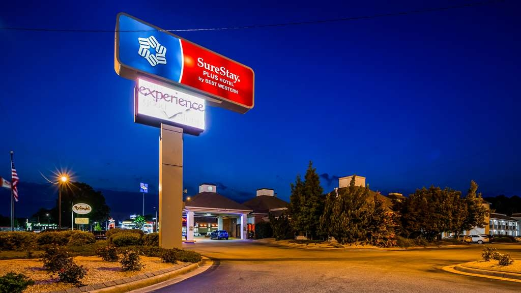 SureStay Plus Hotel by Best Western Fayetteville - Facciata dell'albergo
