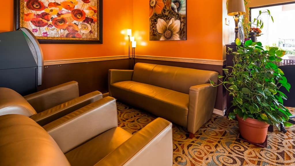 SureStay Plus Hotel by Best Western Fayetteville - Vue du lobby