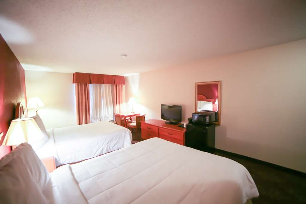 SureStay Plus Hotel by Best Western Evansville - Bring your family along and make a reservation in this 2 queen bedroom.