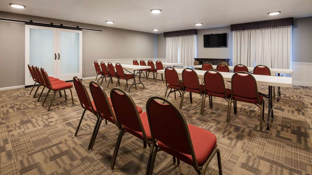 SureStay Plus Hotel by Best Western Evansville - Our professional staff is here to go above and beyond your expectations to ensure your meeting is perfect.