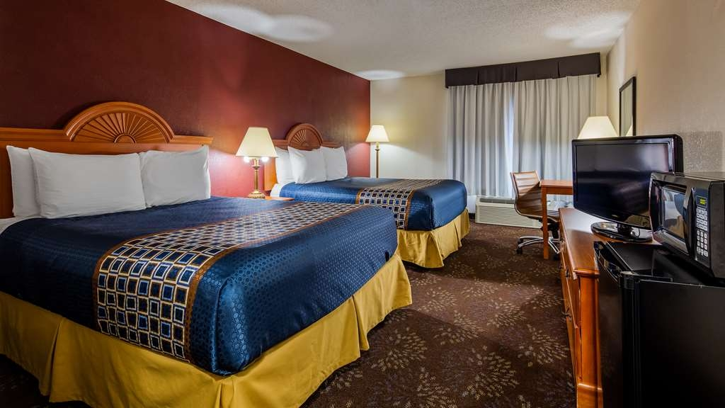 SureStay Plus Hotel by Best Western Evansville - Make a reservation in this 2 queen bedroom featuring a microwave, refrigerator, flat screen TV and free Wifi.