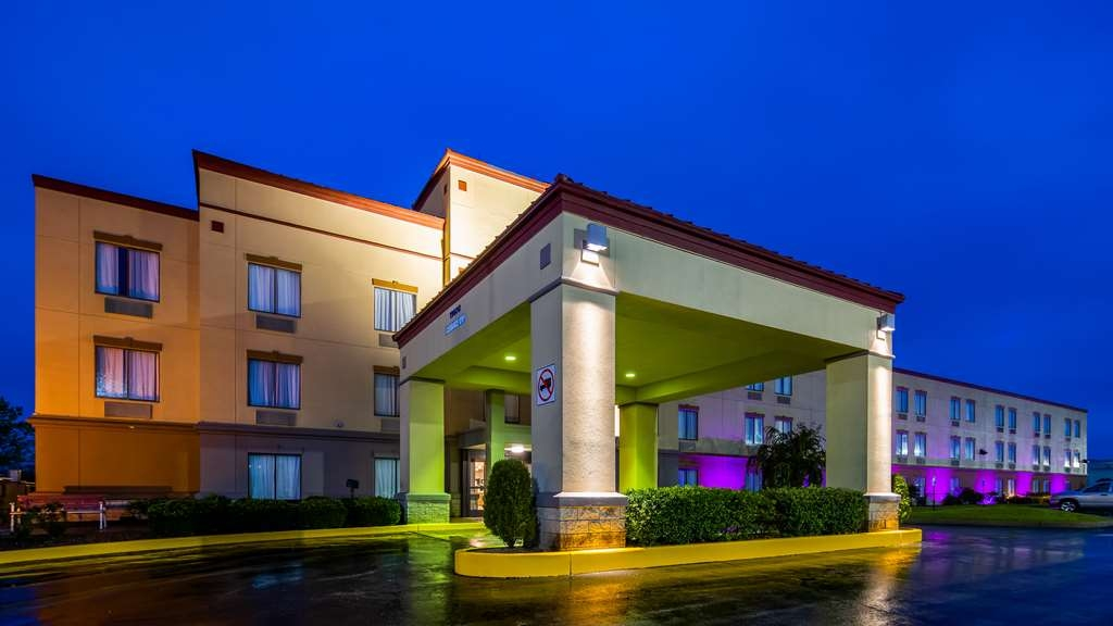 SureStay Plus Hotel by Best Western Evansville - No matter what time of day we are waiting your arrival!