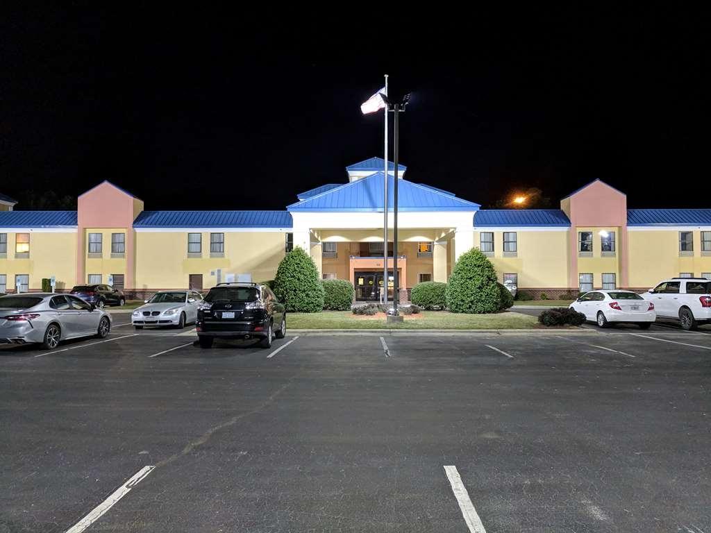 SureStay Plus Hotel by Best Western Tarboro - IMG