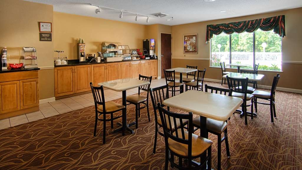 SureStay Plus Hotel by Best Western Tarboro - Enjoy a balanced and delicious breakfast with choices for everyone.