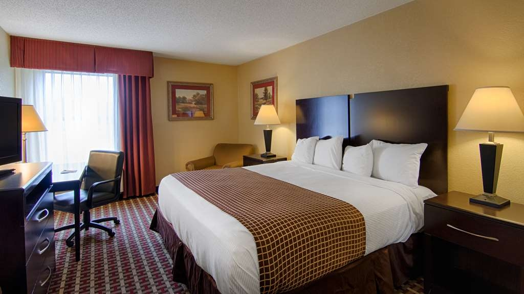 SureStay Plus Hotel by Best Western Tarboro - Guest Room with One King Size Bed