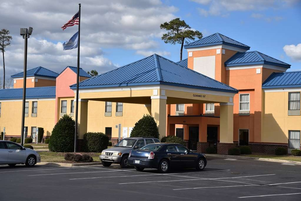 SureStay Plus Hotel by Best Western Tarboro - No matter what time of year, we know you will love the SureStay Plus Hotel by Best Western Tarboro.