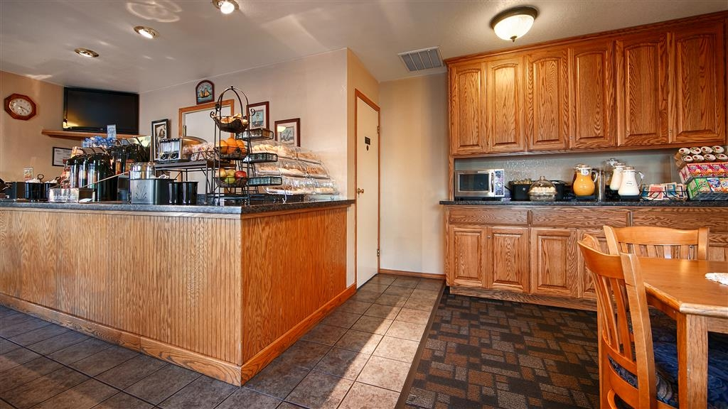 Best Western Arcata Inn - A complimentary breakfast is served daily in our breakfast area.