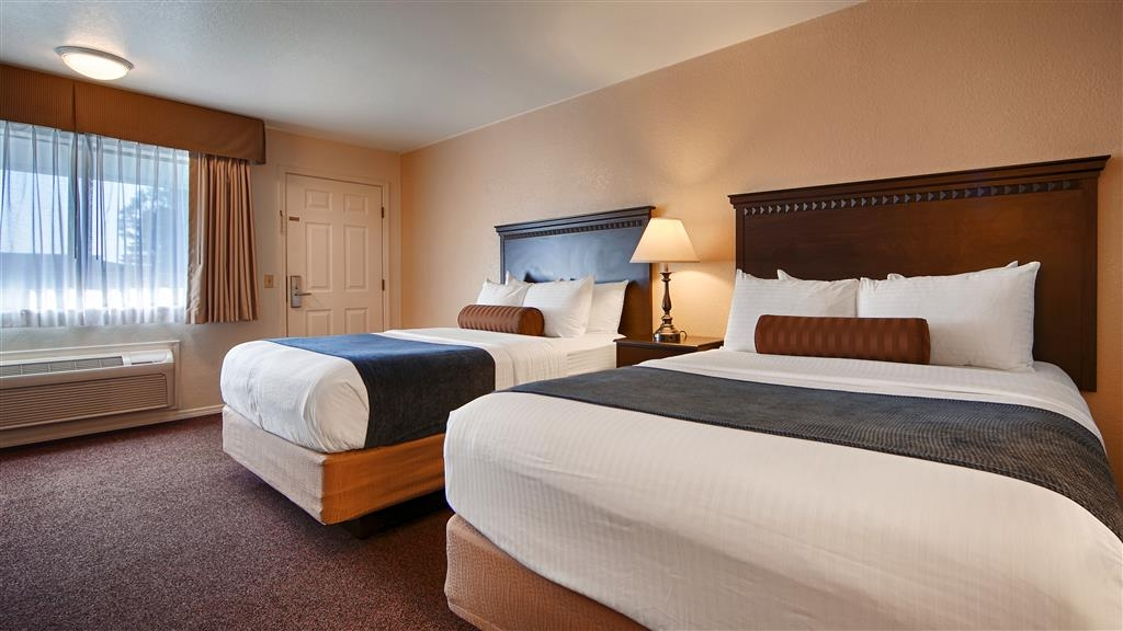 Best Western Arcata Inn - Our 2 queen guest rooms offer free WiF access, a microwave and refrigerator.