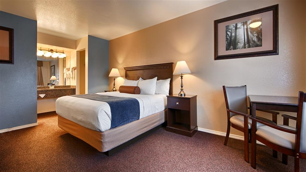 Best Western Arcata Inn - Immediately feel at home when you walk into our king guest rooms.