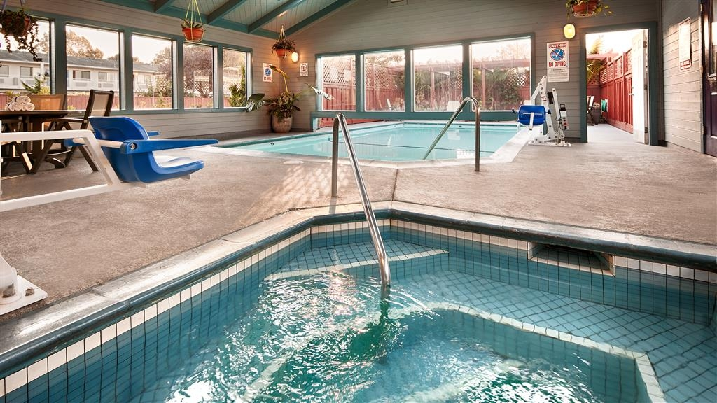 Best Western Arcata Inn - Relax the stress away in our soothing hot tub.