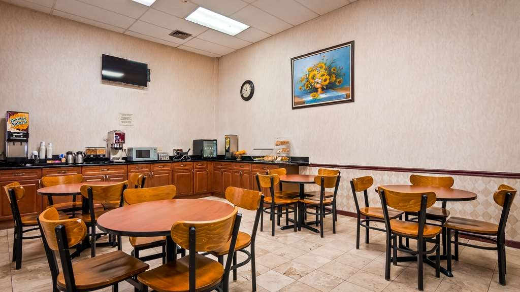 SureStay Hotel by Best Western Bellmawr - Rise and shine with a complimentary breakfast every morning.