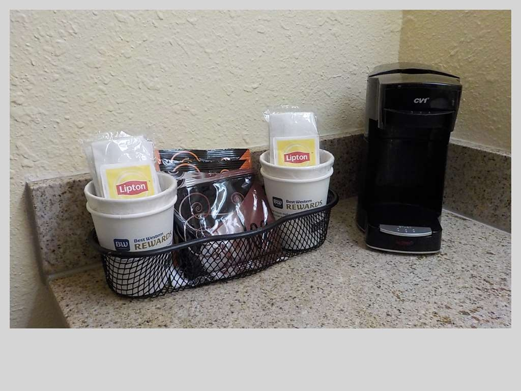 SureStay Hotel by Best Western Clermont Theme Park West - Wake up feeling refreshed with your own in room coffee maker.