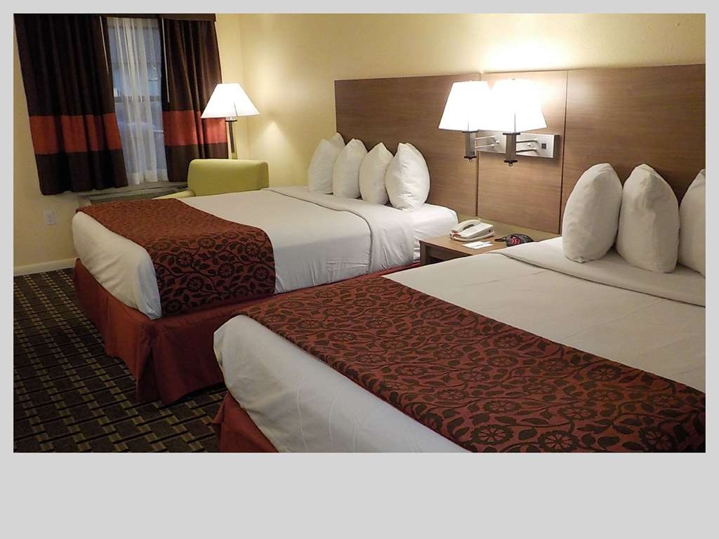 SureStay Hotel by Best Western Clermont Theme Park West - We offer a variety of 2 queen rooms from standard to mobility accessible.