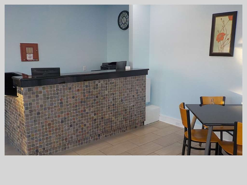 SureStay Hotel by Best Western Clermont Theme Park West - Our front desk is happy to provide all the comforts of home for you during your stay.