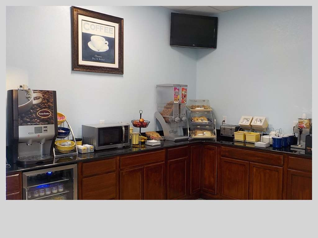 SureStay Hotel by Best Western Clermont Theme Park West - Enjoy a balanced and delicious breakfast with choices for everyone.