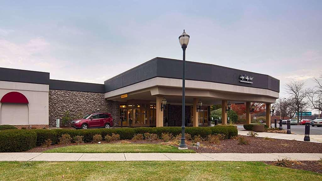 Lehigh Valley Hotel, SureStay Collection by Best Western - Façade