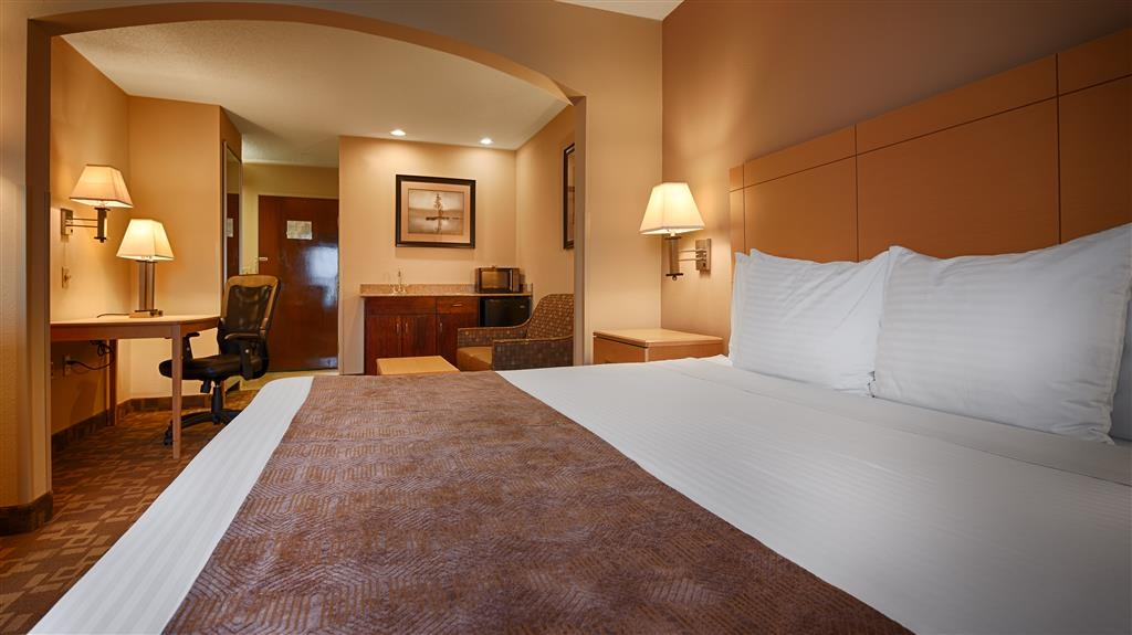 SureStay Plus Hotel by Best Western Roanoke Rapids - If you are looking for a little extra space make a reservation for this king junior suite room.