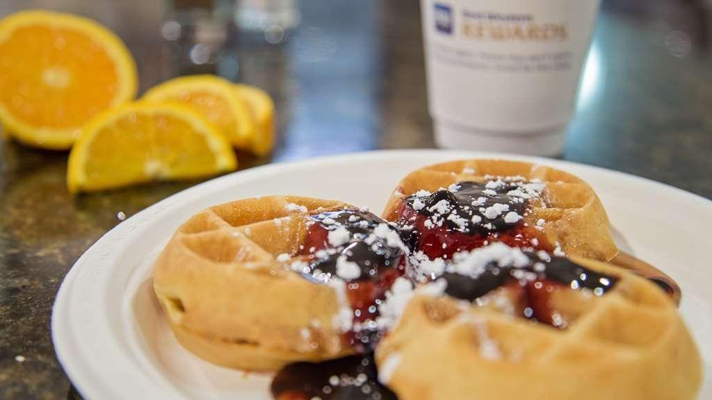 SureStay Plus Hotel by Best Western Roanoke Rapids - Restaurante/Comedor