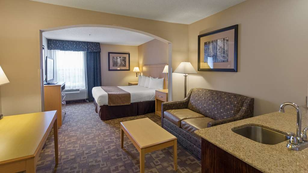SureStay Plus Hotel by Best Western Roanoke Rapids - Designed for corporate and leisure traveler alike, make a reservation in this king junior suite.