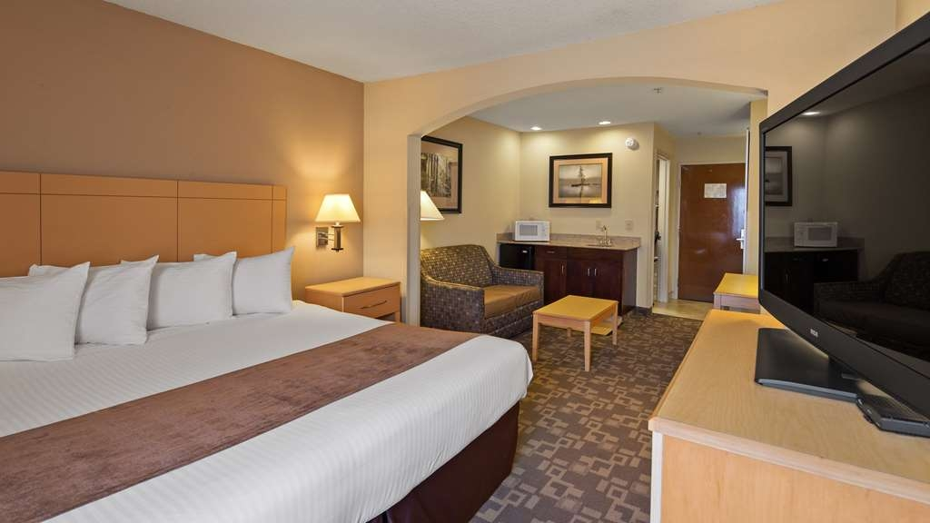 SureStay Plus Hotel by Best Western Roanoke Rapids - Sink into our comfortable beds each night and wake up feeling completely refreshed.