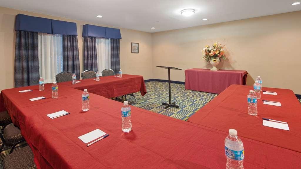 SureStay Plus Hotel by Best Western Roanoke Rapids - Sala de reuniones