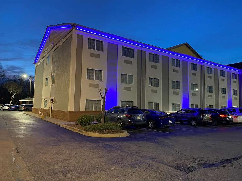 SureStay Plus by Best Western Louisville Airport Expo - Exterior - Night