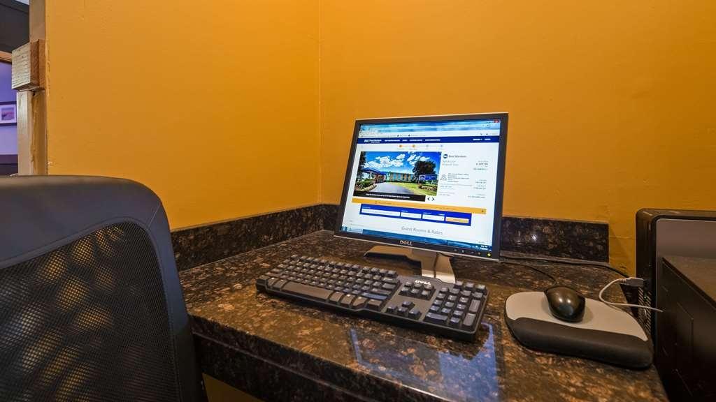 SureStay Plus Hotel by Best Western Syracuse Airport - centro de negocios-característica