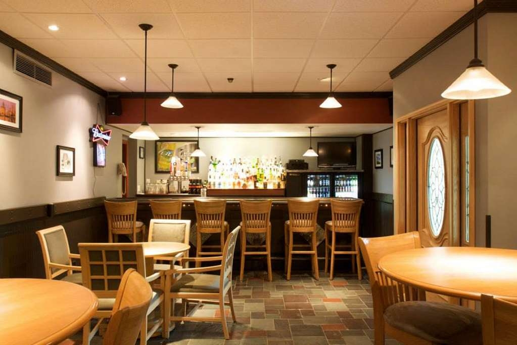 SureStay Plus Hotel by Best Western Syracuse Airport - Bar/Lounge