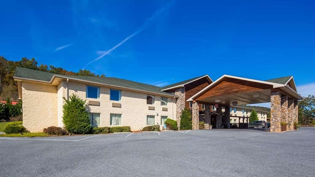 SureStay Plus Hotel by Best Western Berkeley Springs - Facciata dell'albergo