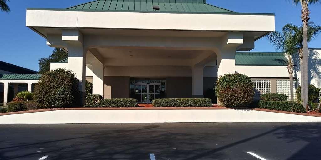 SureStay Plus Hotel by Best Western Clearwater Central - Façade