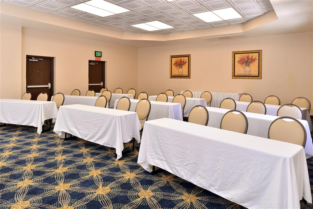 Best Western Plus Heritage Inn Rancho Cucamonga/Ontario - Need to schedule a meeting for business? We have space available for you and your clients