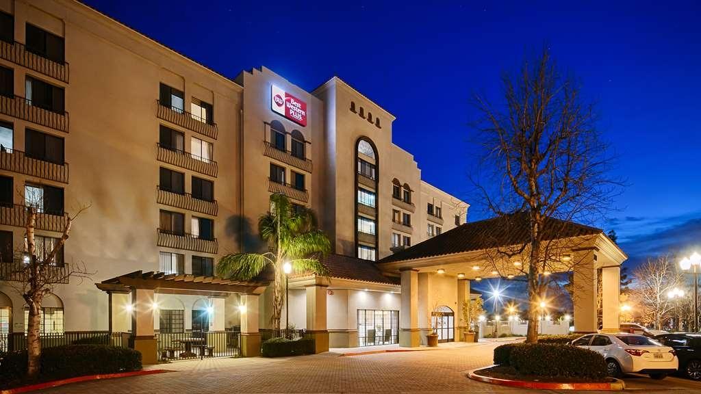 Best Western Plus Heritage Inn Rancho Cucamonga/Ontario - Facciata dell'albergo