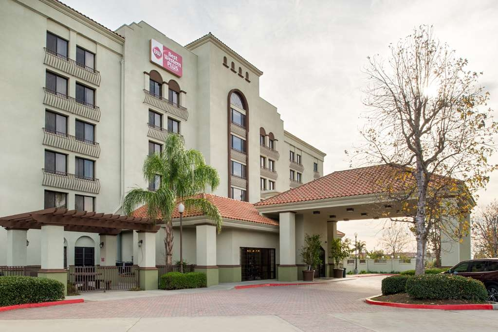 Best Western Plus Heritage Inn Rancho Cucamonga/Ontario - No matter what time of year, we know you will love the Best Western Plus Heritage Inn Rancho Cucamonga/Ontario.