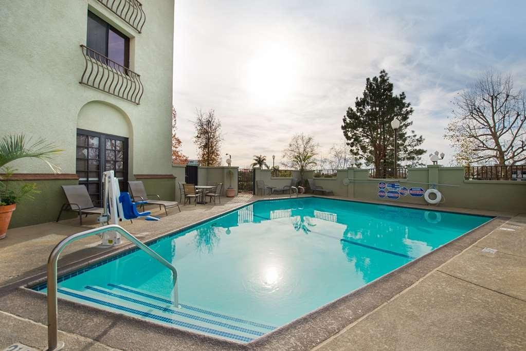 Best Western Plus Heritage Inn Rancho Cucamonga/Ontario - Swimmingpool im Freien