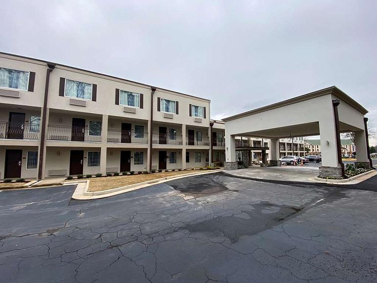 SureStay Plus Hotel by Best Western Atlanta Airport South - Aussenansicht