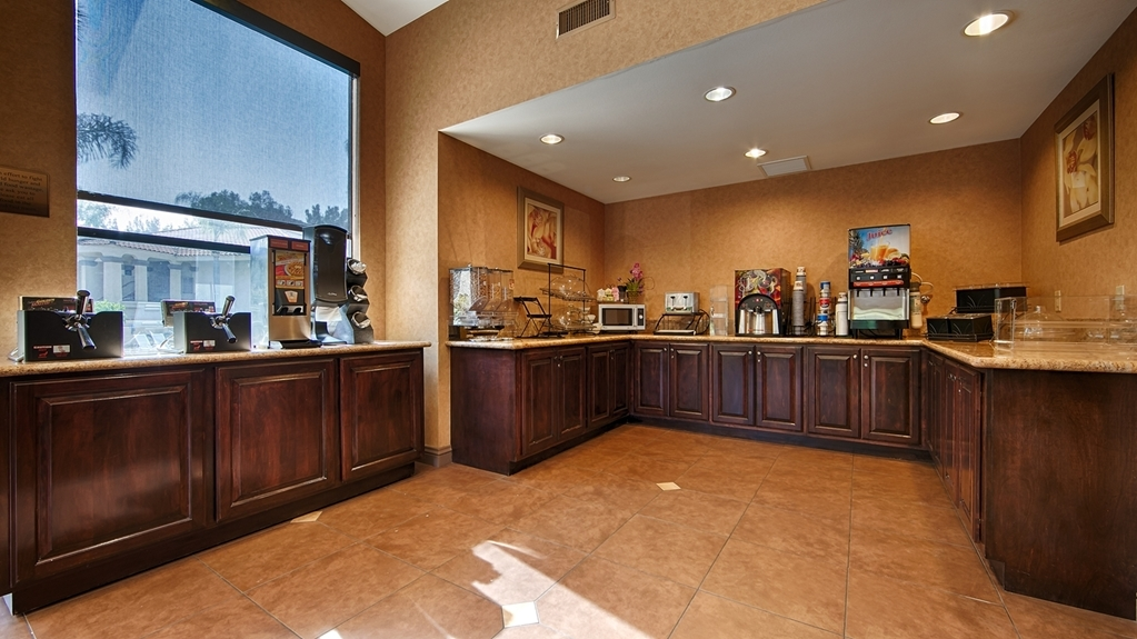 Best Western Diamond Bar Hotel & Suites - Breakfast Buffet