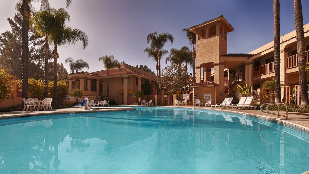 Best Western Diamond Bar Hotel & Suites - Outdoor Swimming Pool