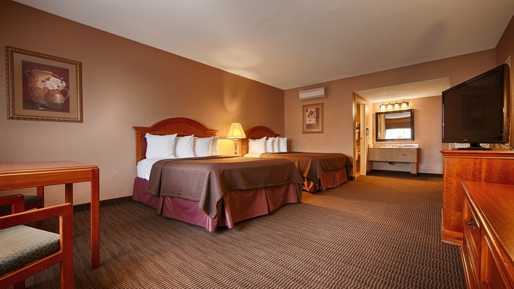 Best Western Diamond Bar Hotel & Suites - Two Queen Guest Room