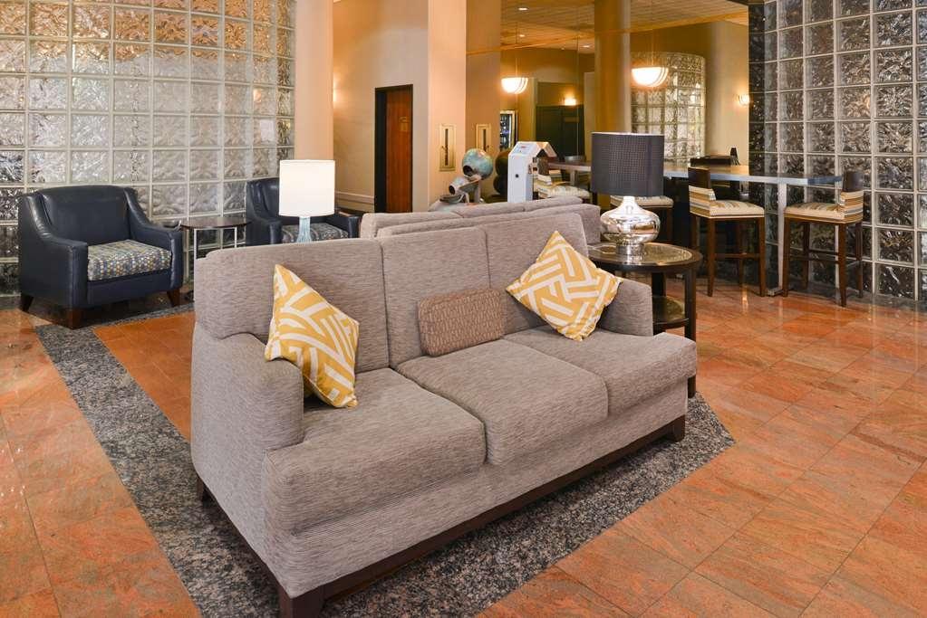 Best Western Plus Suites Hotel - Vue du lobby