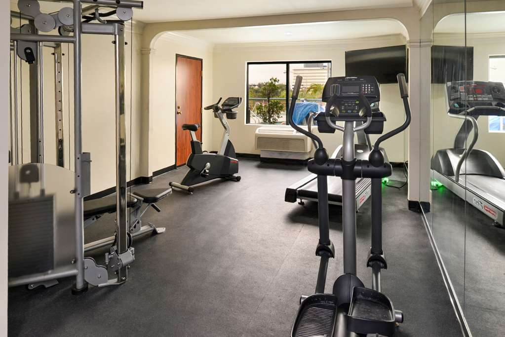 Best Western Plus Suites Hotel - Fitnessstudio