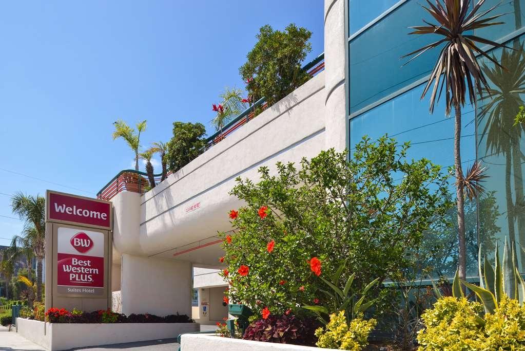 Best Western Plus Suites Hotel - Facciata dell'albergo