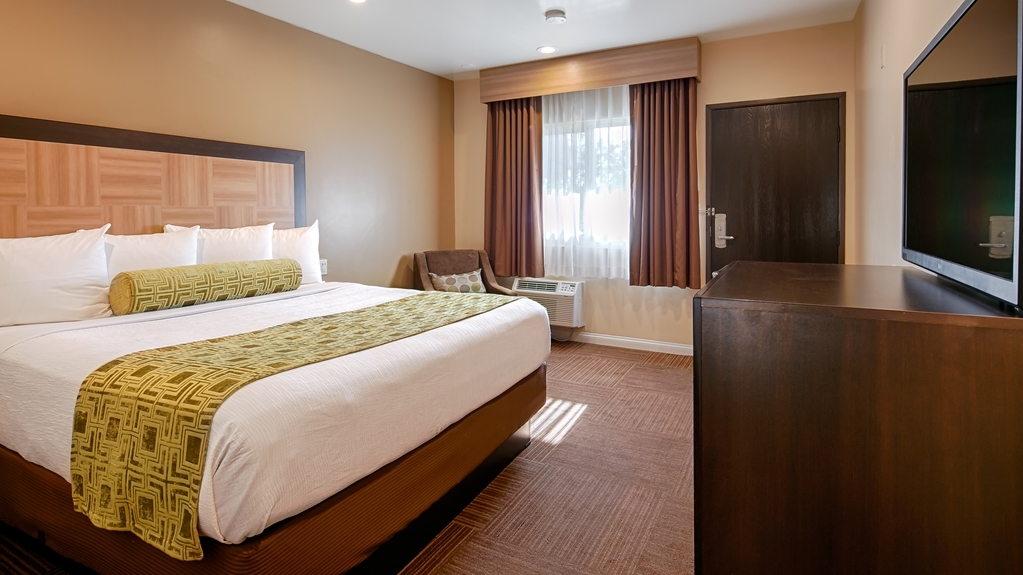 Best Western Plus Glendale - King Guest Room